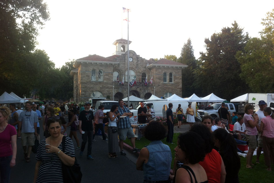 Sonoma's Tuesday Night Farmers Markets